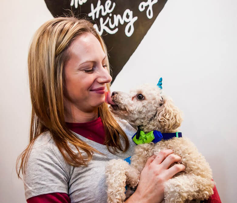 Melissa & Brinkley. Credit: @nycpetphotographer