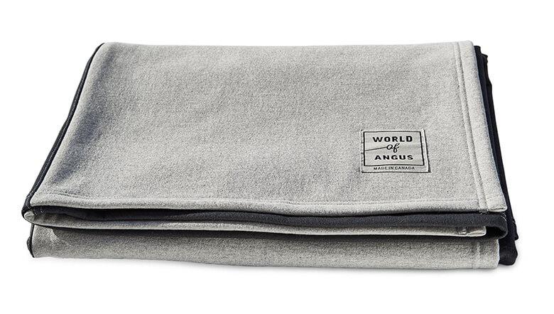 Grey_Black_Blanket (1)